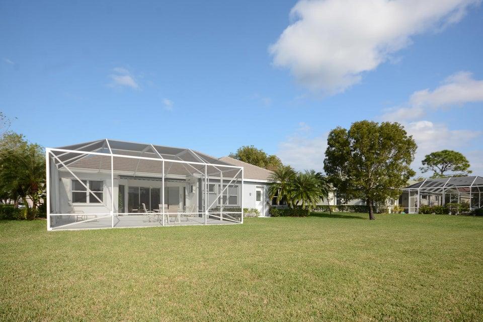 Additional photo for property listing at 982 SW Blue Stem Way 982 SW Blue Stem Way Stuart, Florida 34997 United States