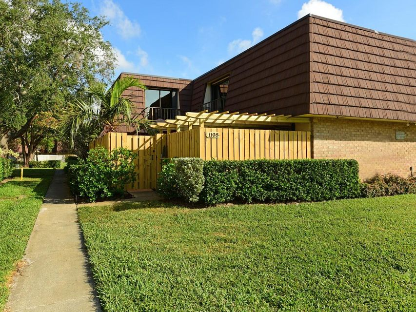 1108 11th Lane , Palm Beach Gardens FL 33418 is listed for sale as MLS Listing RX-10392659 24 photos
