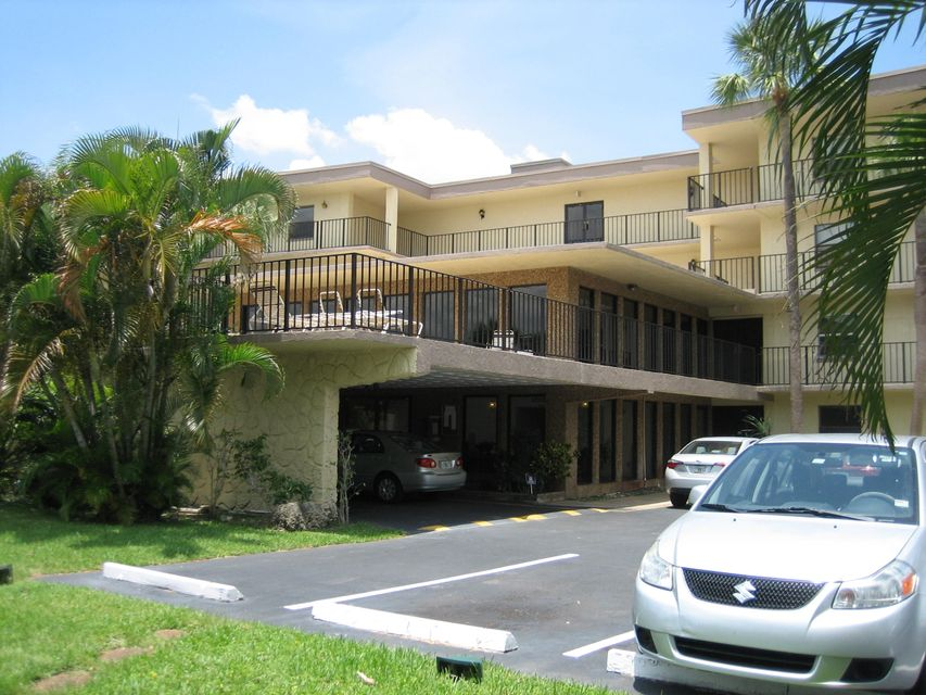 Condominium for Rent at 9355 SW 8th Street # 402 9355 SW 8th Street # 402 Boca Raton, Florida 33428 United States