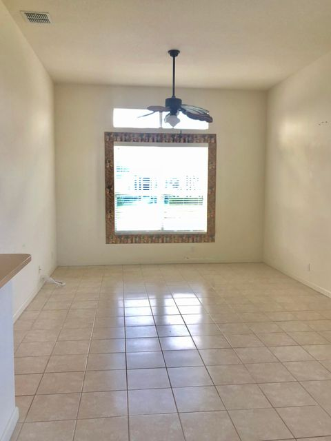 Additional photo for property listing at 120 NW Madison Court 120 NW Madison Court Port St. Lucie, Florida 34986 États-Unis