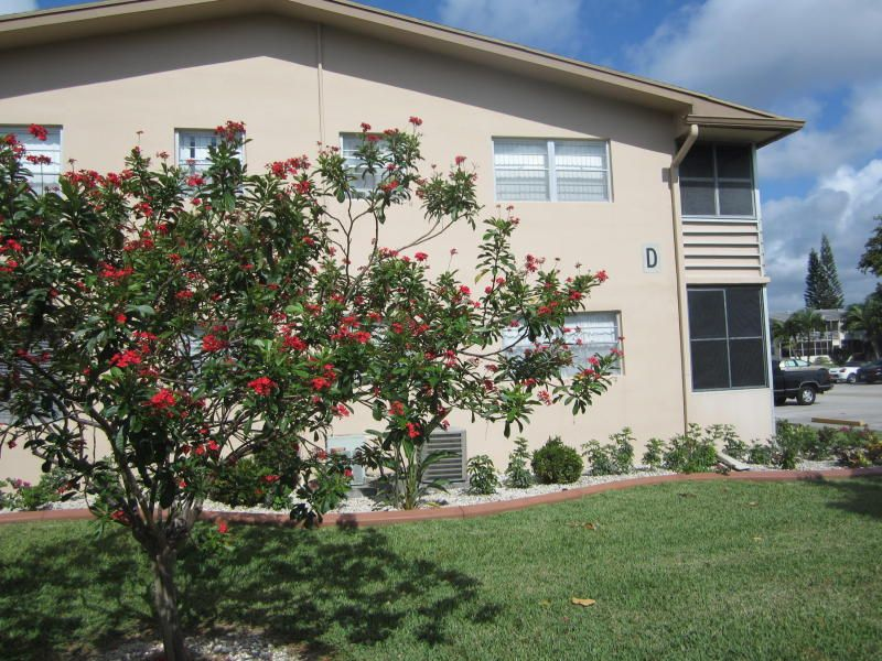 Condominium for Sale at 84 Canterbury D 84 Canterbury D West Palm Beach, Florida 33417 United States