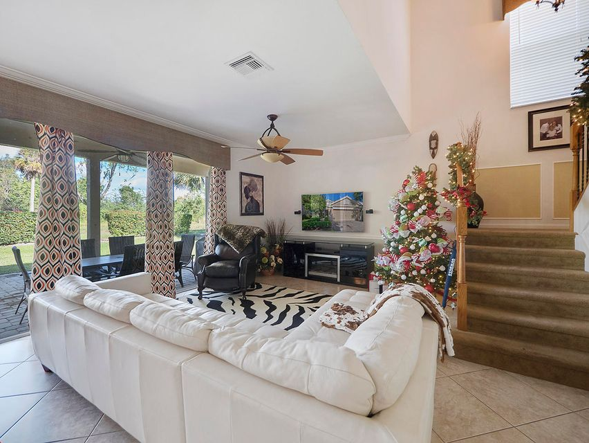 171 Berenger Walk Royal Palm Beach, FL 33414 photo 9