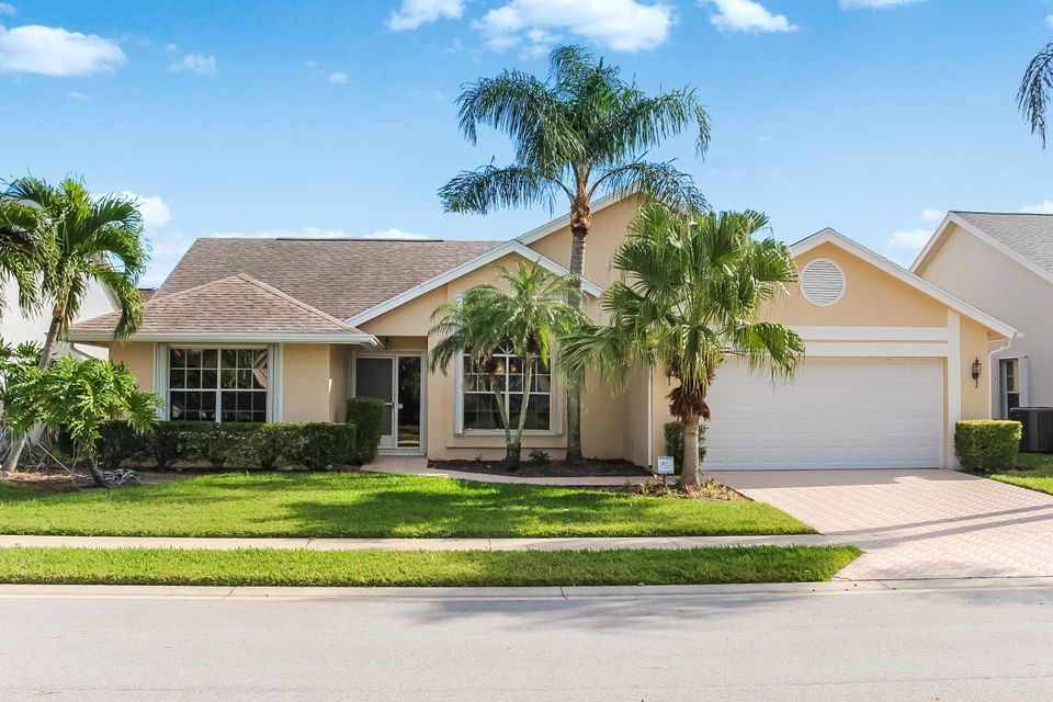 237 Moccasin Trail  Jupiter FL 33458