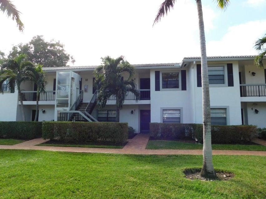 共管式独立产权公寓 为 销售 在 10 Stratford Drive # D 10 Stratford Drive # D 博因顿海滩, 佛罗里达州 33436 美国