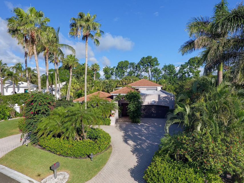 2941 Le Bateau Drive , Palm Beach Gardens FL 33410 is listed for sale as MLS Listing RX-10391722 19 photos