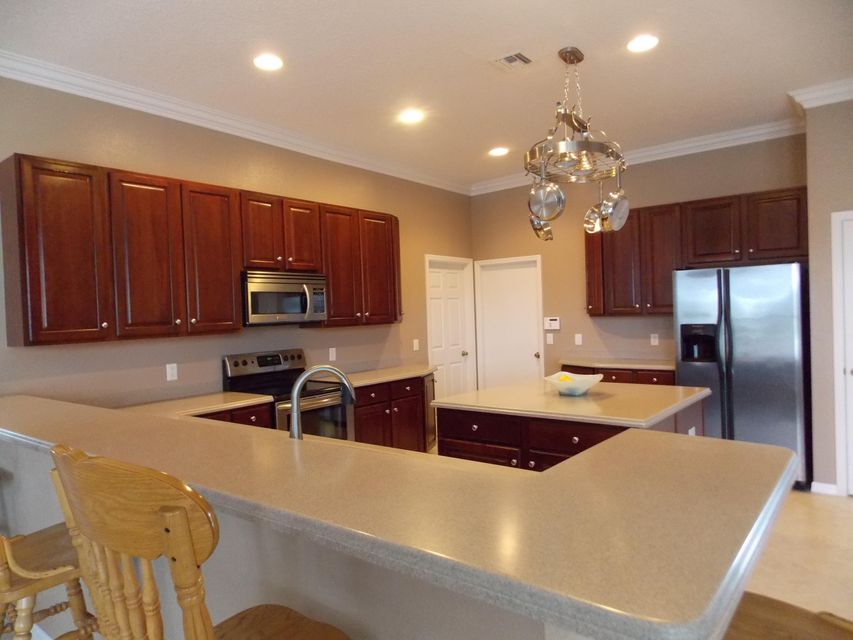 PALM LAKES GARDENS FORT PIERCE REAL ESTATE