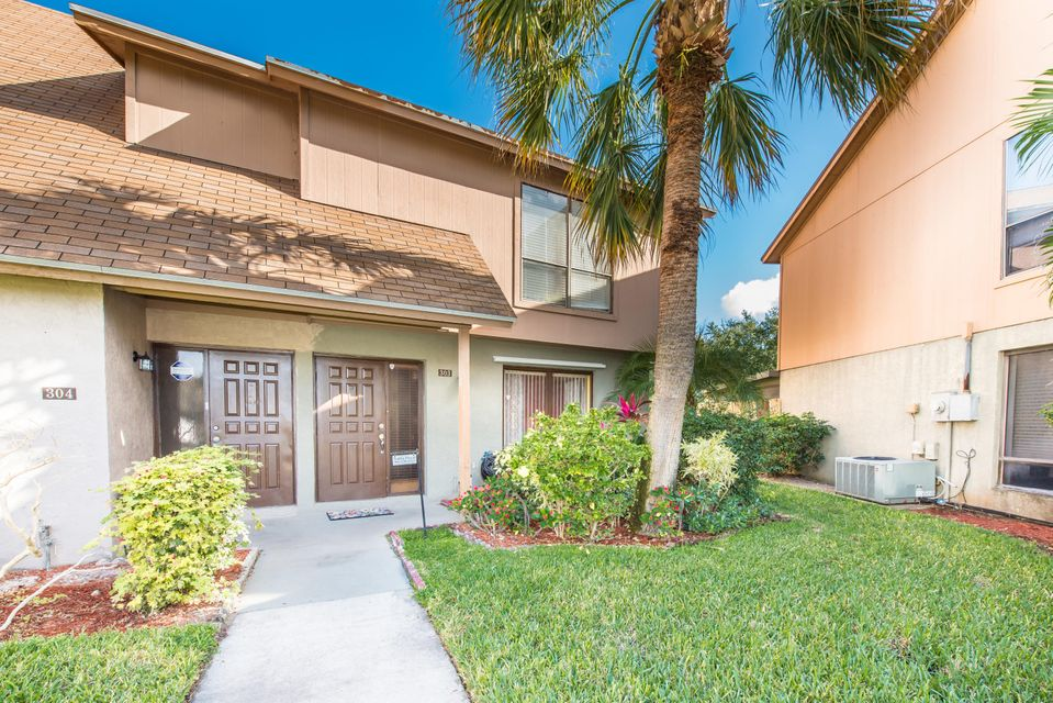 Home for sale in Sandtree Palm Beach Gardens Florida