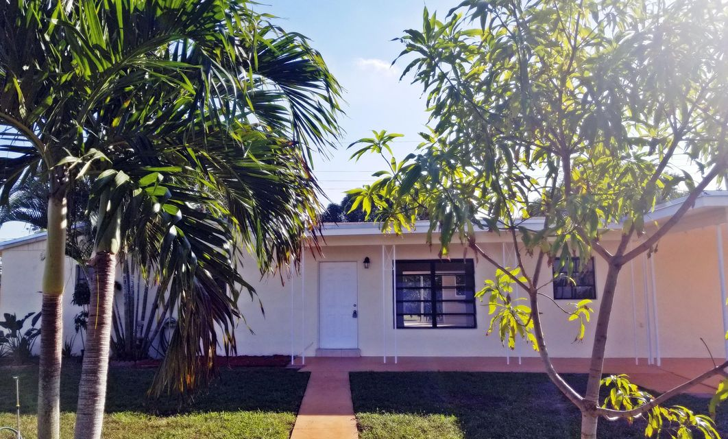 Home for sale in 34-2108-010-4880 Miami Gardens Florida