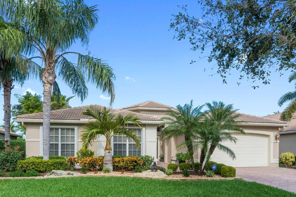 Valencia Pointe home 7038 Great Falls Circle Boynton Beach FL 33437