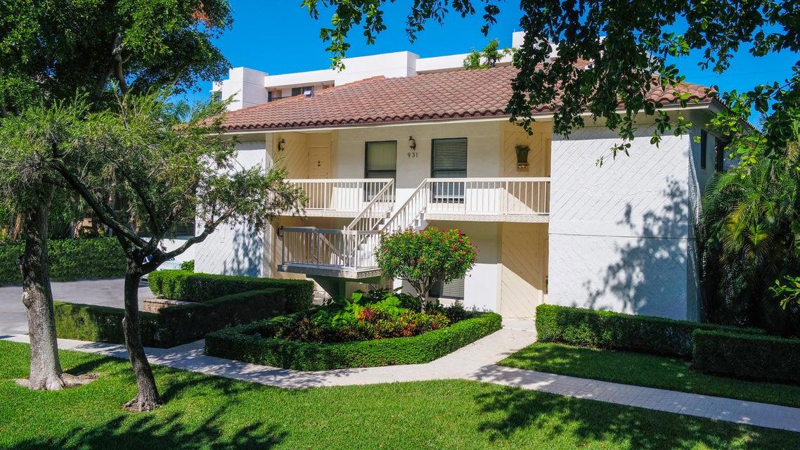 935 Sweetwater Lane 203  Boca Raton FL 33431