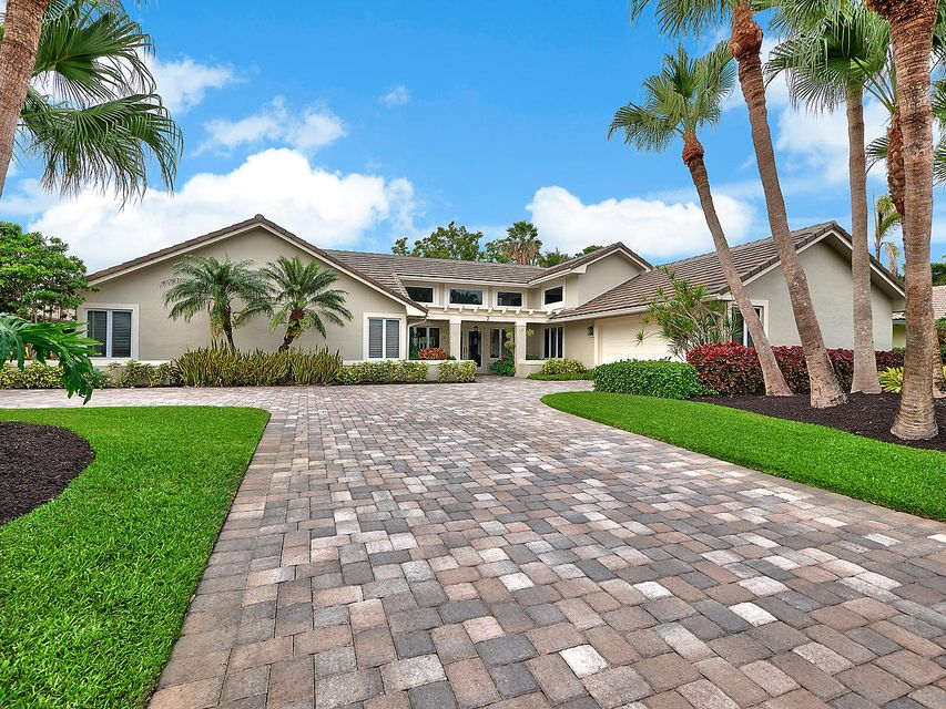 7 Cambria Road , Palm Beach Gardens FL 33418 is listed for sale as MLS Listing RX-10392798 37 photos