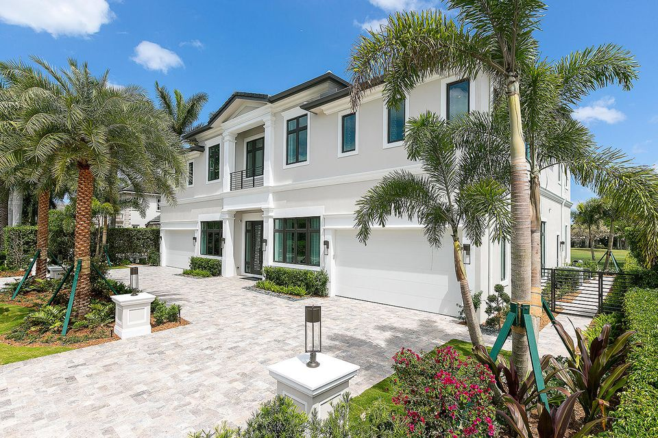 Additional photo for property listing at 1744 Thatch Palm Drive  Boca Raton, Florida 33432 United States