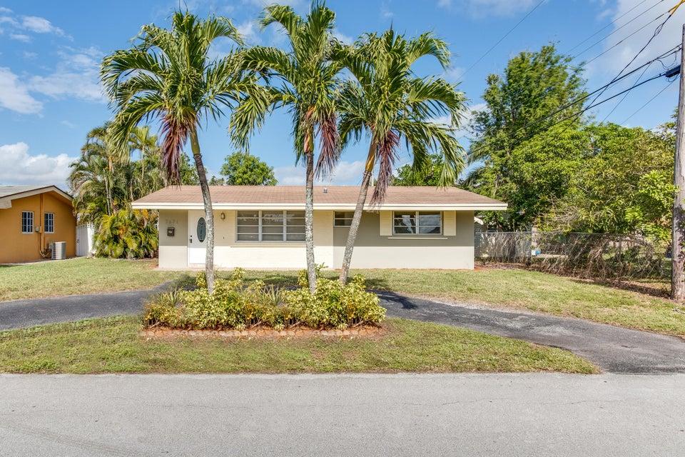Casa Unifamiliar por un Venta en 7671 NW 12th Street 7671 NW 12th Street Pembroke Pines, Florida 33024 Estados Unidos