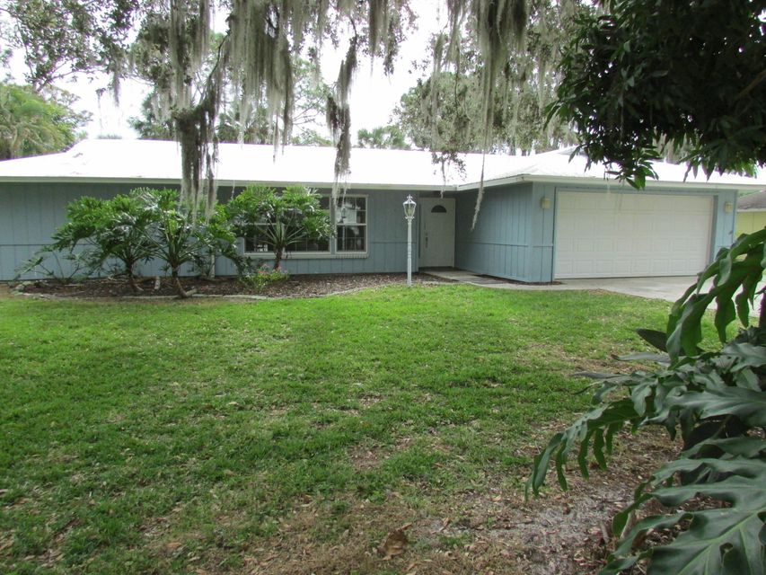 Single Family Home for Sale at 362 SW Saint Lucie Street 362 SW Saint Lucie Street Stuart, Florida 34997 United States