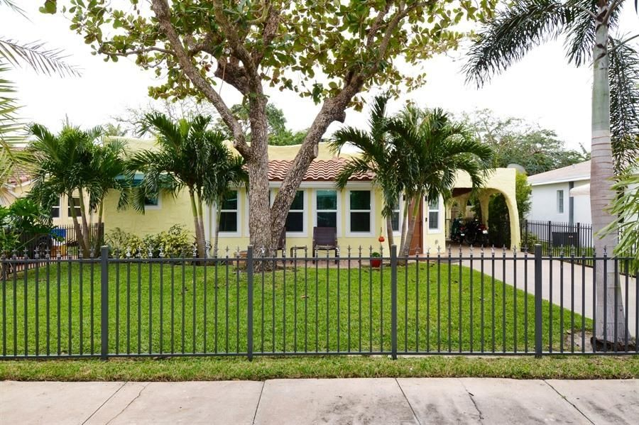 244 Pilgrim Road  West Palm Beach FL 33405