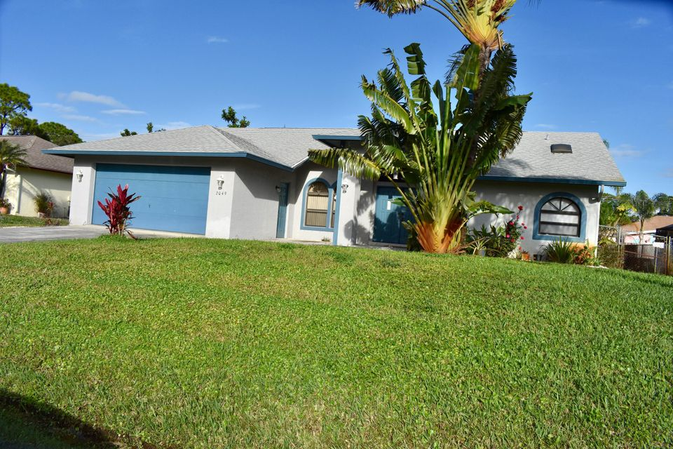 Single Family Home for Sale at 2049 SW Trenton Lane 2049 SW Trenton Lane Port St. Lucie, Florida 34984 United States