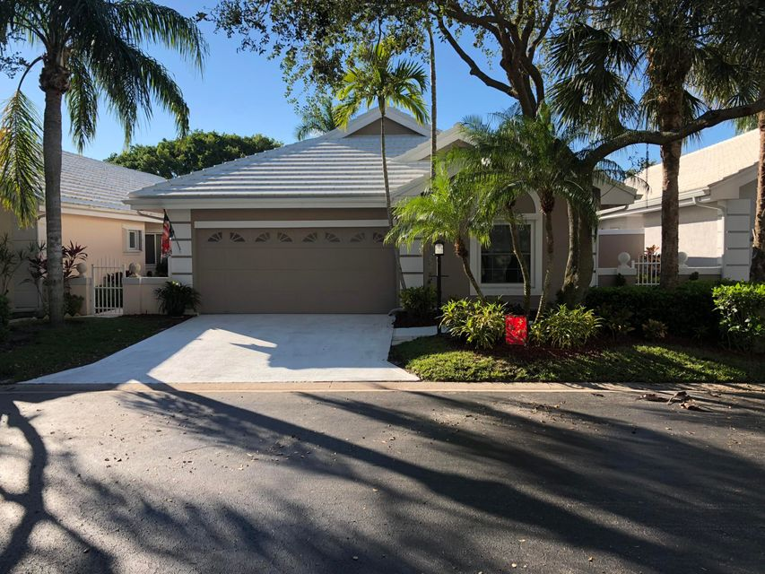 224 W Canterbury Drive , Palm Beach Gardens FL 33418 is listed for sale as MLS Listing RX-10392945 15 photos