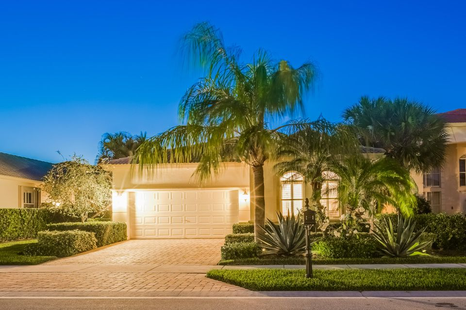 109 Casa Grande Court , Palm Beach Gardens FL 33418 is listed for sale as MLS Listing RX-10392928 42 photos