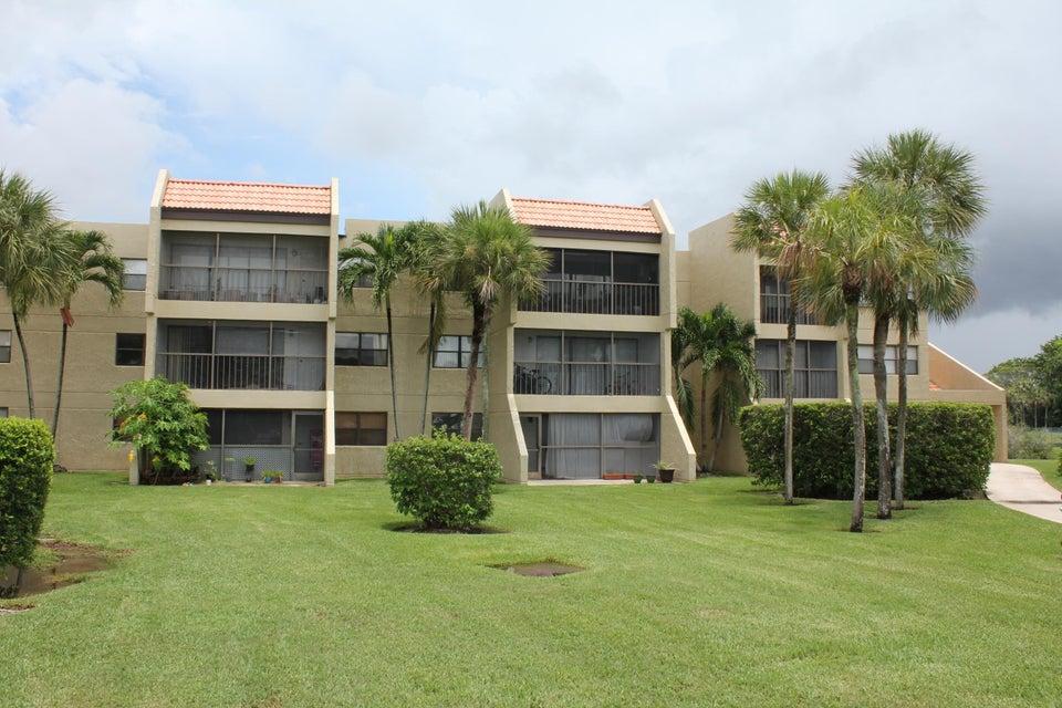 Condominio por un Venta en 240 Lakeview Drive # 307 240 Lakeview Drive # 307 Weston, Florida 33326 Estados Unidos