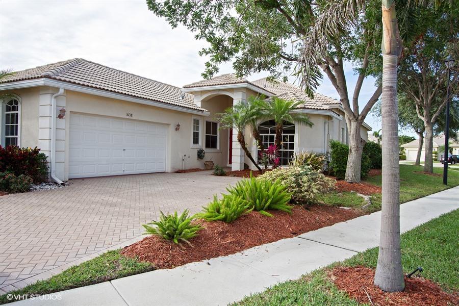 5718 Fountains Drive  Lake Worth, FL 33467