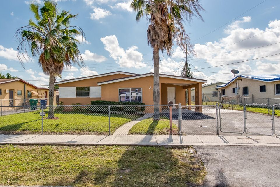 Single Family Home for Sale at 3760 NW 9th Street 3760 NW 9th Street Lauderhill, Florida 33311 United States