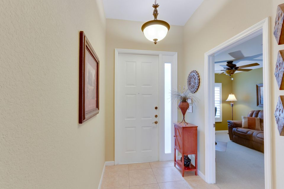 206 Berenger Walk Royal Palm Beach, FL 33414 photo 2