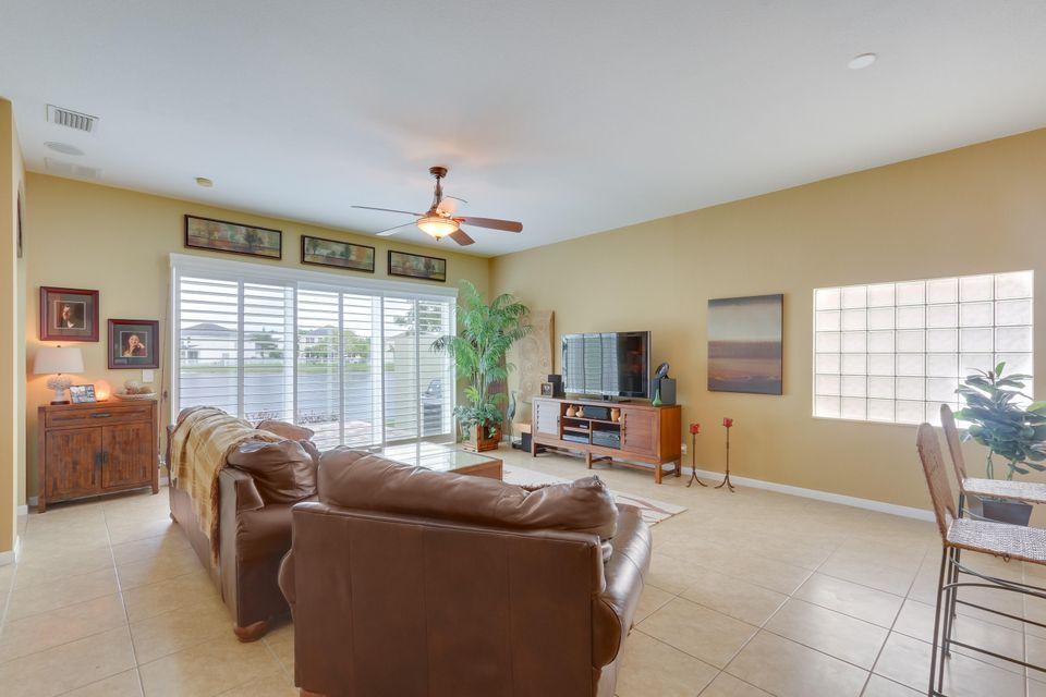 206 Berenger Walk Royal Palm Beach, FL 33414 photo 16