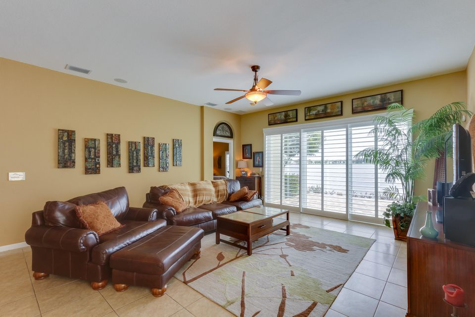 206 Berenger Walk Royal Palm Beach, FL 33414 photo 17