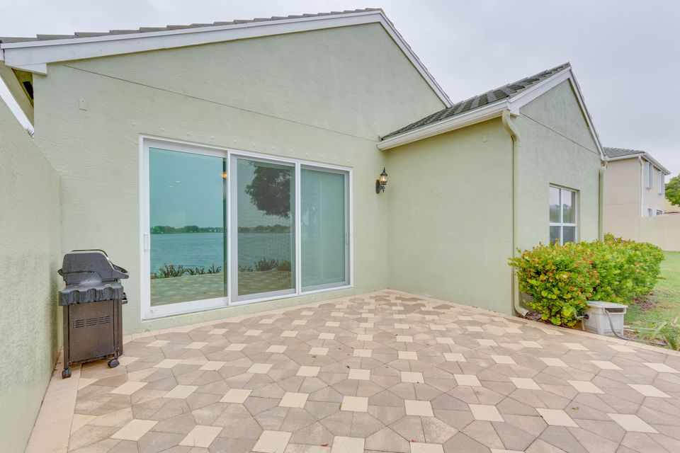 206 Berenger Walk Royal Palm Beach, FL 33414 photo 28