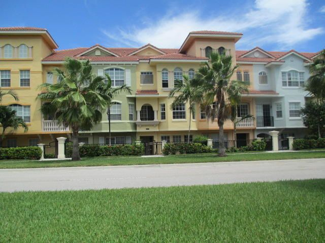 Townhouse for Rent at 2568 Gardens Parkway 2568 Gardens Parkway Palm Beach Gardens, Florida 33410 United States