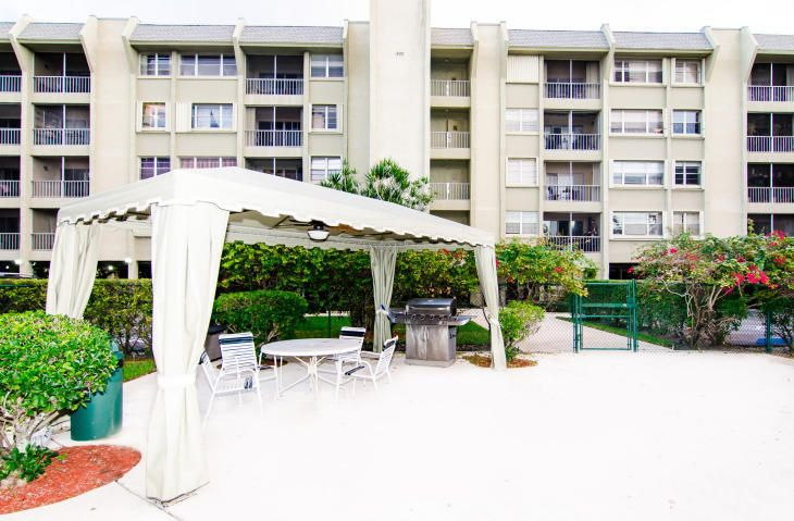 Condominium for Rent at 505 Spencer Drive # 410 505 Spencer Drive # 410 West Palm Beach, Florida 33409 United States