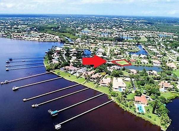 独户住宅 为 销售 在 0 NW South Shore Road 0 NW South Shore Road 斯图尔特, 佛罗里达州 34994 美国