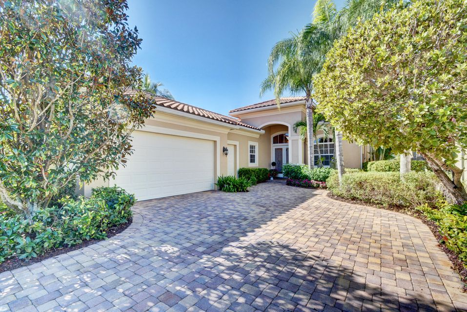 123 Bianca Drive , Palm Beach Gardens FL 33418 is listed for sale as MLS Listing RX-10393997 110 photos