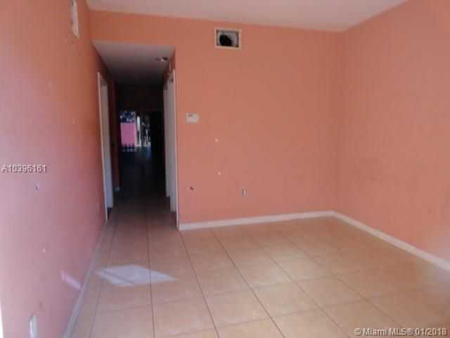 3887 Nw 52nd Street