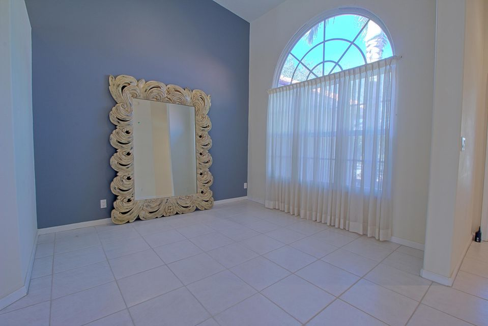 131 Cypress Crescent Royal Palm Beach, FL 33411 photo 11