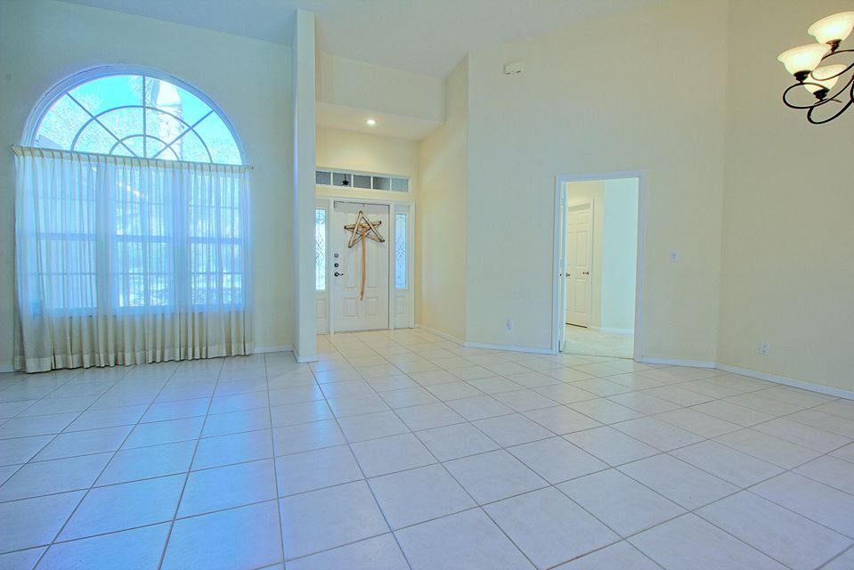 131 Cypress Crescent Royal Palm Beach, FL 33411 photo 10