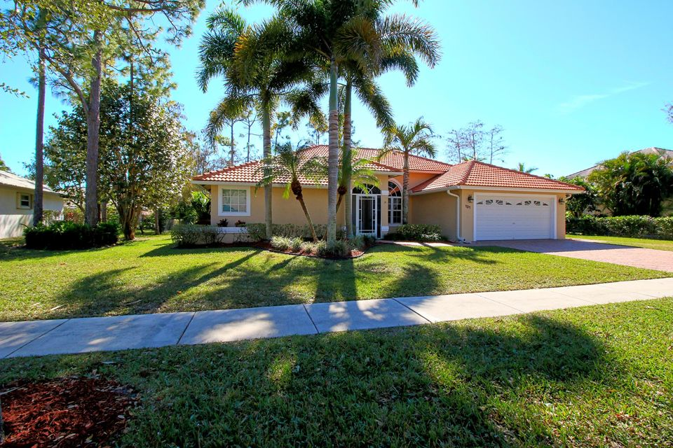 131 Cypress Crescent Royal Palm Beach, FL 33411 photo 1