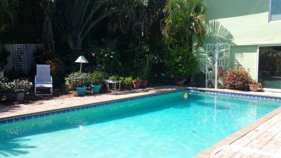 833 NW 3rd Avenue  Boca Raton FL 33432