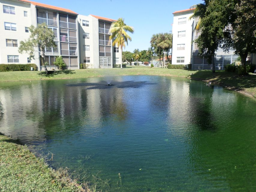 Condominium for Sale at 1820 SW 81st Avenue # 3209 1820 SW 81st Avenue # 3209 North Lauderdale, Florida 33068 United States