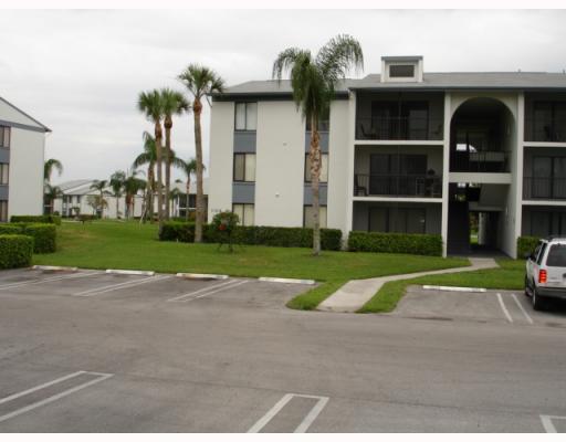1105 Green Pine Boulevard C2  West Palm Beach, FL 33409