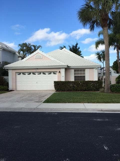 32 Dorchester Circle , Palm Beach Gardens FL 33418 is listed for sale as MLS Listing RX-10394631 10 photos
