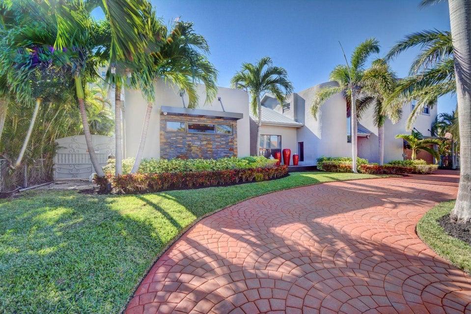 Single Family Home for Sale at 2850 NE 35 Street 2850 NE 35 Street Fort Lauderdale, Florida 33306 United States