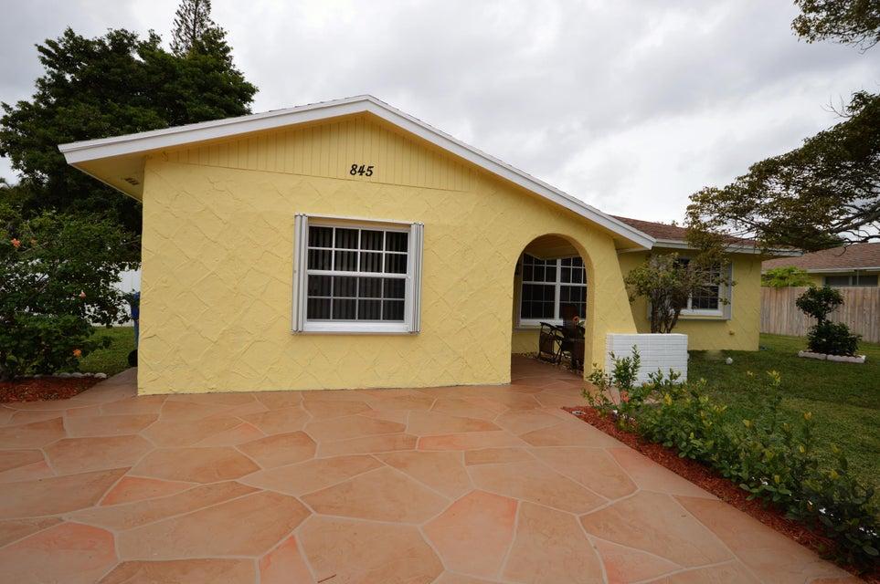 845 Camellia Drive Royal Palm Beach, FL 33411 photo 4