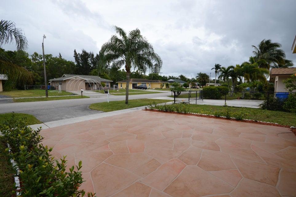 845 Camellia Drive Royal Palm Beach, FL 33411 photo 7