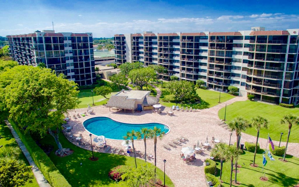 859 Jeffery Street 303  Boca Raton FL 33487
