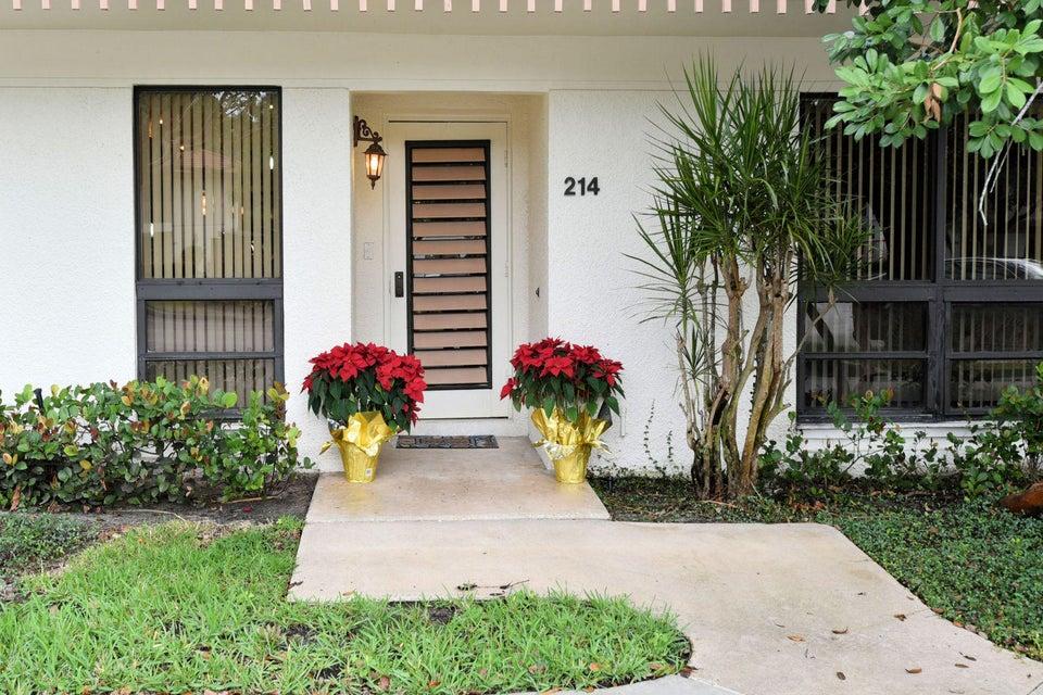 214 Brackenwood Terrace , Palm Beach Gardens FL 33418 is listed for sale as MLS Listing RX-10394971 24 photos