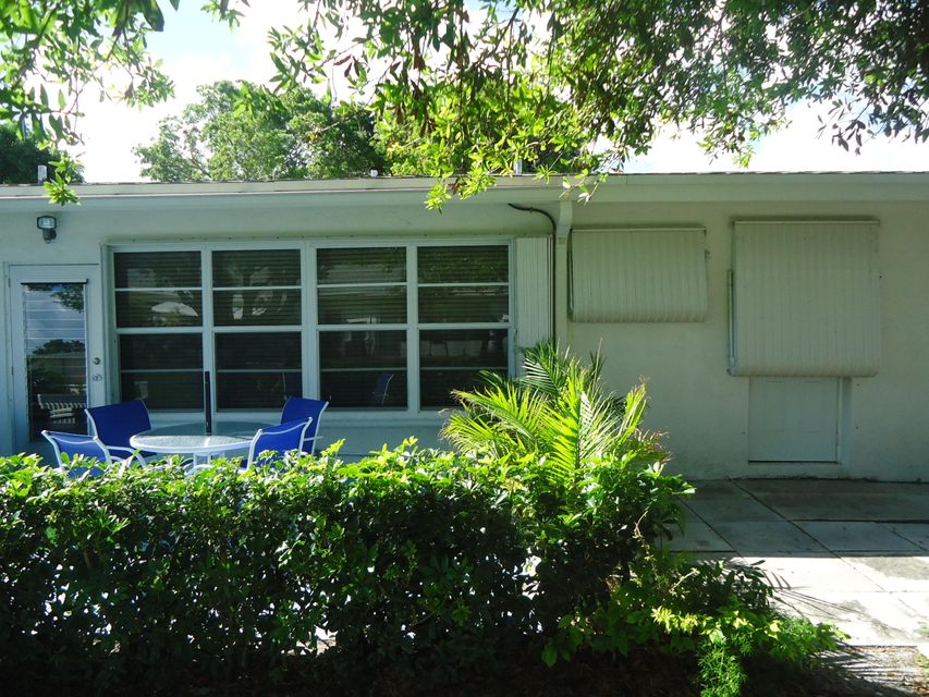 Villa for Rent at 7400 W Oakridge Circle 7400 W Oakridge Circle Lake Worth, Florida 33462 United States