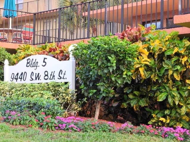 Condominium for Rent at 9440 SW 8th Street # 212 9440 SW 8th Street # 212 Boca Raton, Florida 33428 United States