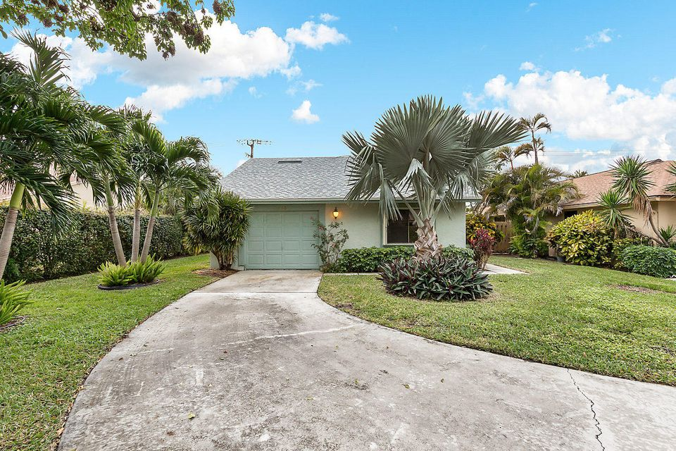 Single Family Home for Sale at 3240 NW 10th Street 3240 NW 10th Street Delray Beach, Florida 33445 United States