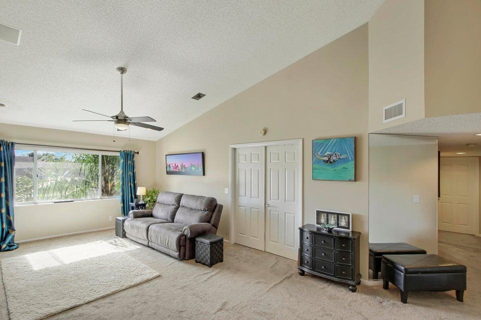 Pine Ridge At Delray Beach Condo 13810 Oneida Drive